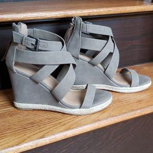 Brash strappy wedge sandals size 8.5